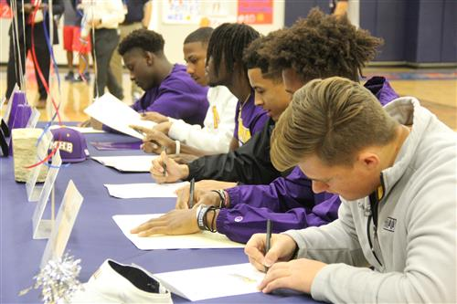 Veterans Memorial Patriots On National Signing Day