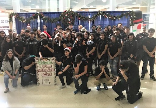 T-Bird Orchestra Brings Sounds Of Holidays To Travelers
